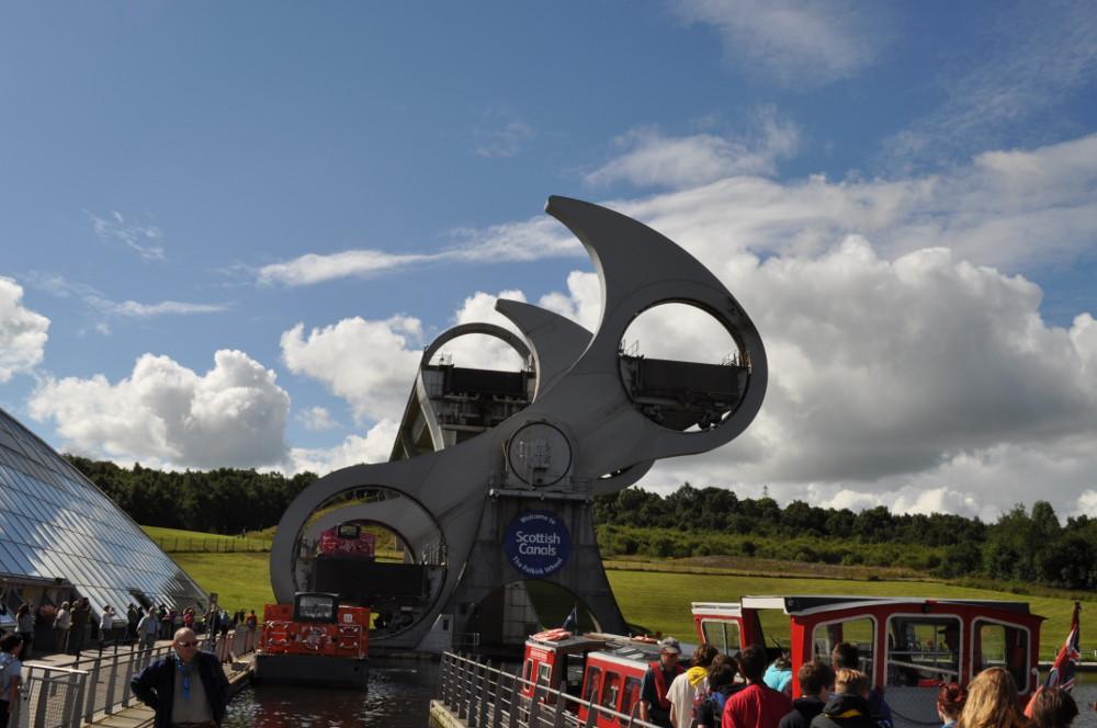 Falkirk Wheel going round