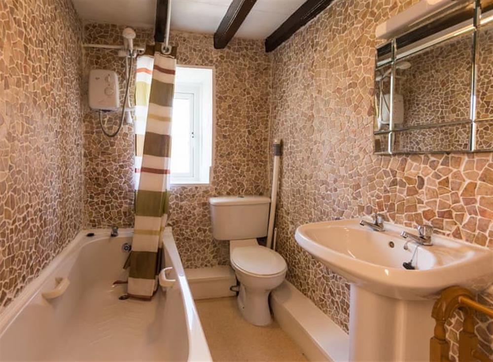 Bathroom at Farthing Cottage in Brixham, South Devon