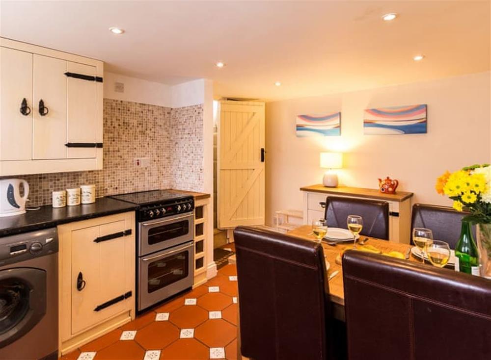 Kitchen/diner at Farthing Cottage in Brixham, South Devon