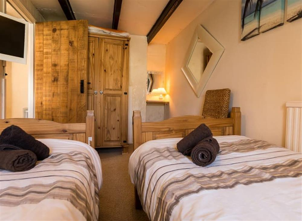 Twin bedroom (photo 2) at Farthing Cottage in Brixham, South Devon