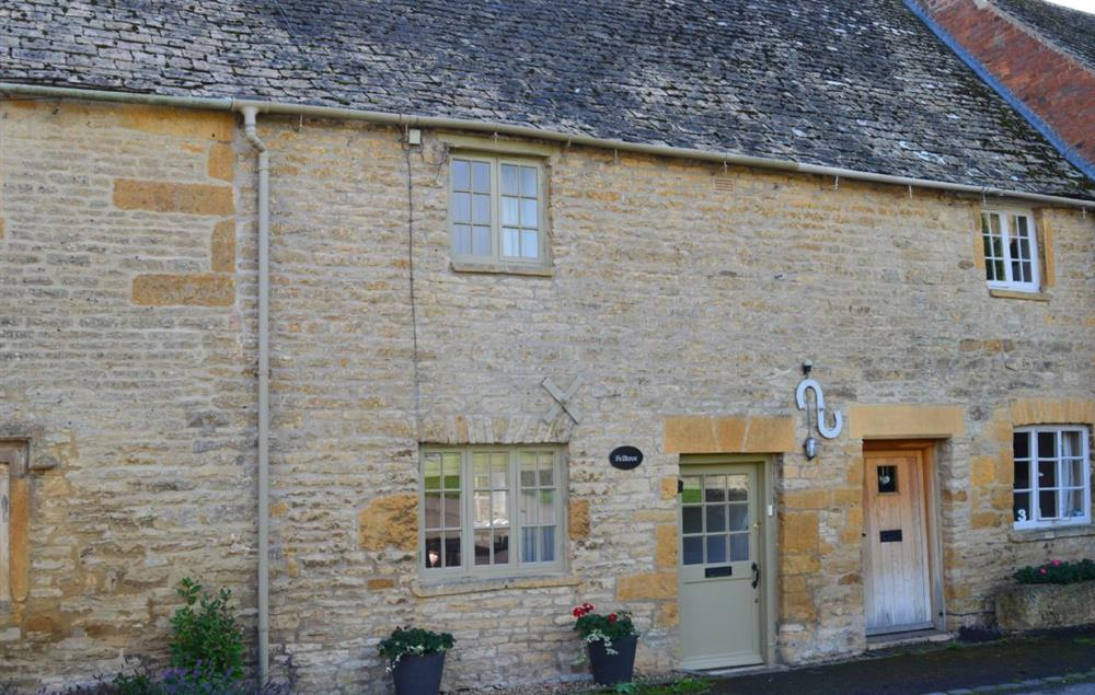 Felltree Cottage sits on a quiet street in the beautiful Cotswolds village of Broadwell at Felltree Cottage, Broadwell
