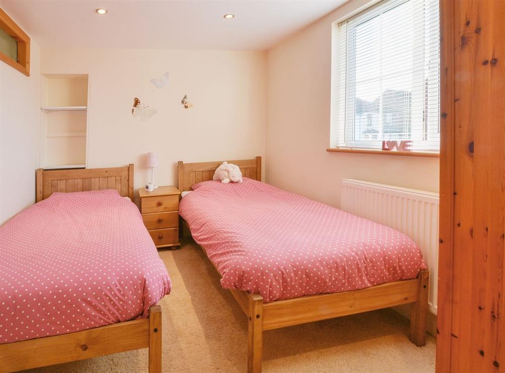 Twin bedroom at Fern Villa in Oulton Broad, near Lowestoft, Suffolk