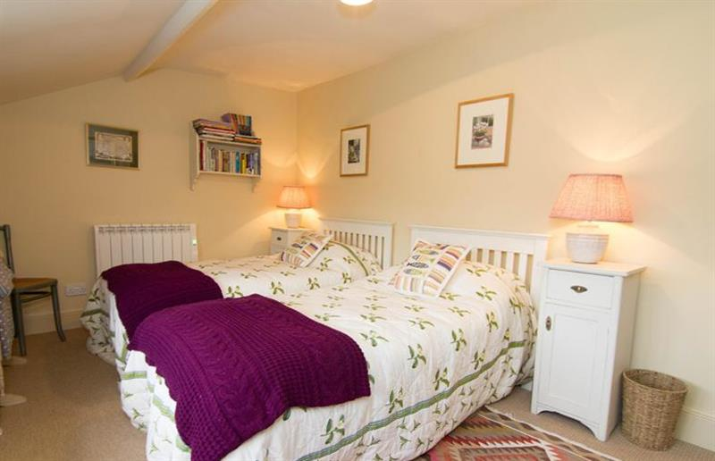 Twin bedroom at Field House Cottage, Hindringham near Great Yarmouth, Norfolk