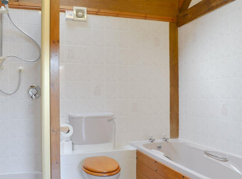 Bathroom with separate shower cubicle at Fitling Cottage in Fitling, near Hull, North Humberside