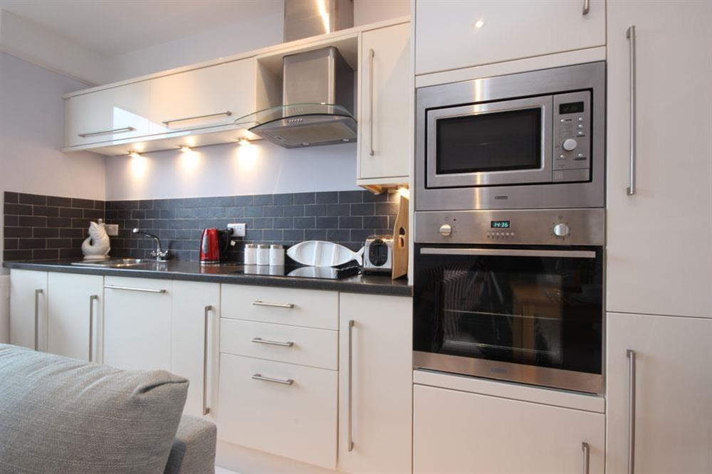 Kitchen with fitted units (photo 2) at Flat 1, 32 Newcomen Road in The Plaice, Dartmouth