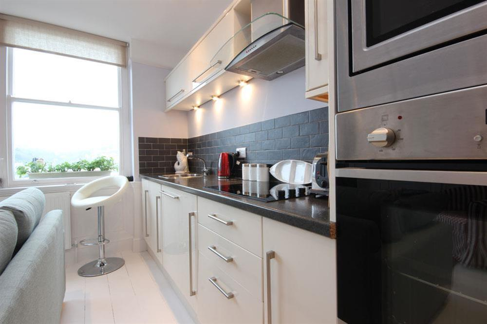 Kitchen with fitted units at Flat 1, 32 Newcomen Road in The Plaice, Dartmouth