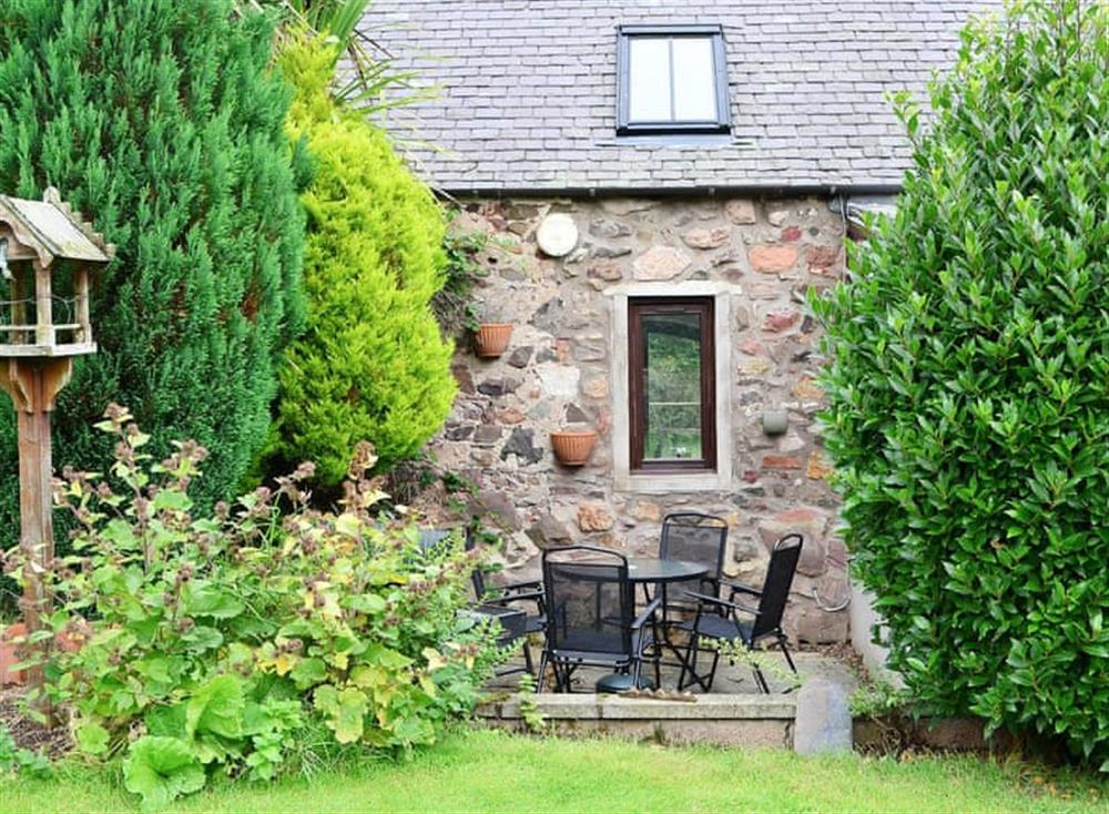 Pretty holiday cottage in the Scottish Borders at Garden Cottage in Coldingham, near Eyemouth, Berwickshire