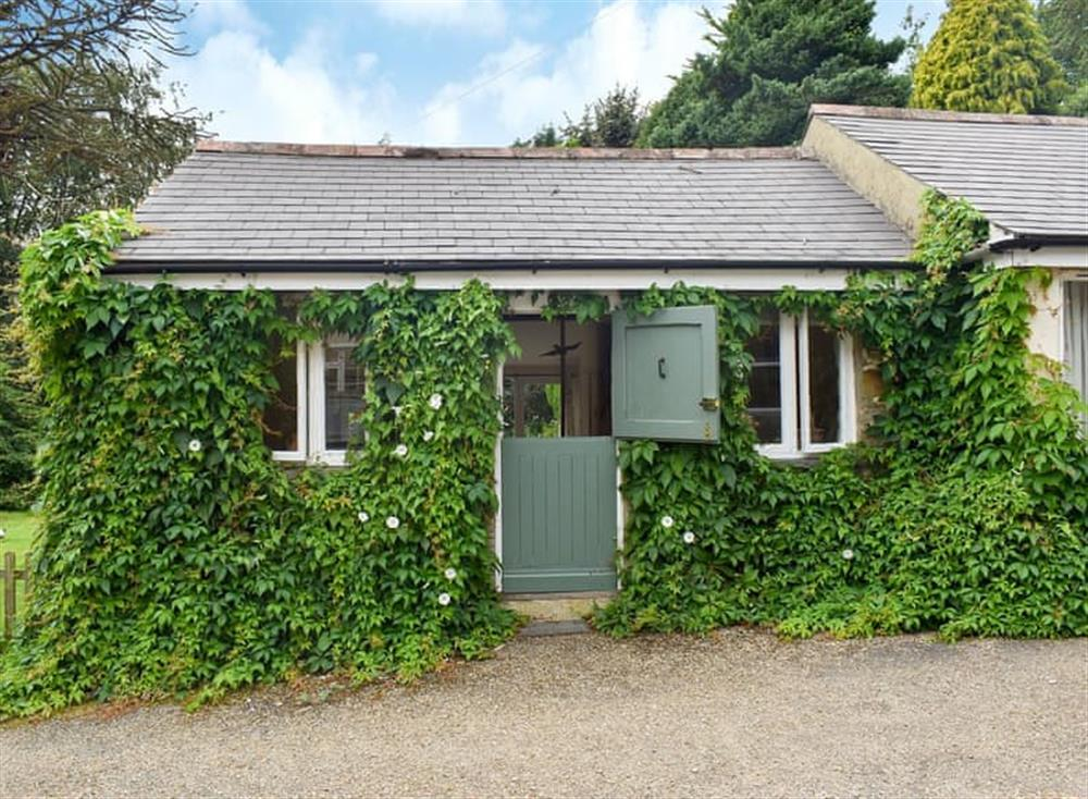 Relaxing holiday cottage at Garden Cottage in Hendham, near Kingsbridge, Devon