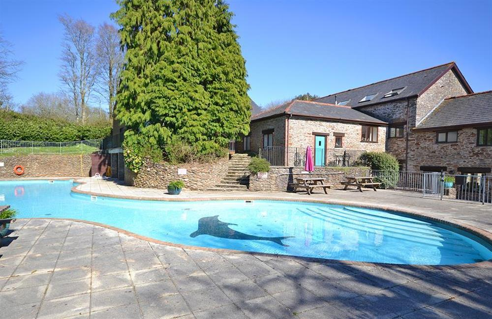Colmer outdoor swimming pool at Gatehouse East, Modbury