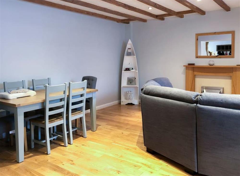 Delightful dining area at Gemstone Cottage in Brixham, Devon