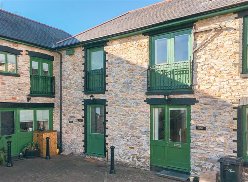 Lovely stone built apartment in a courtyard setting at Gemstone Cottage in Brixham, Devon