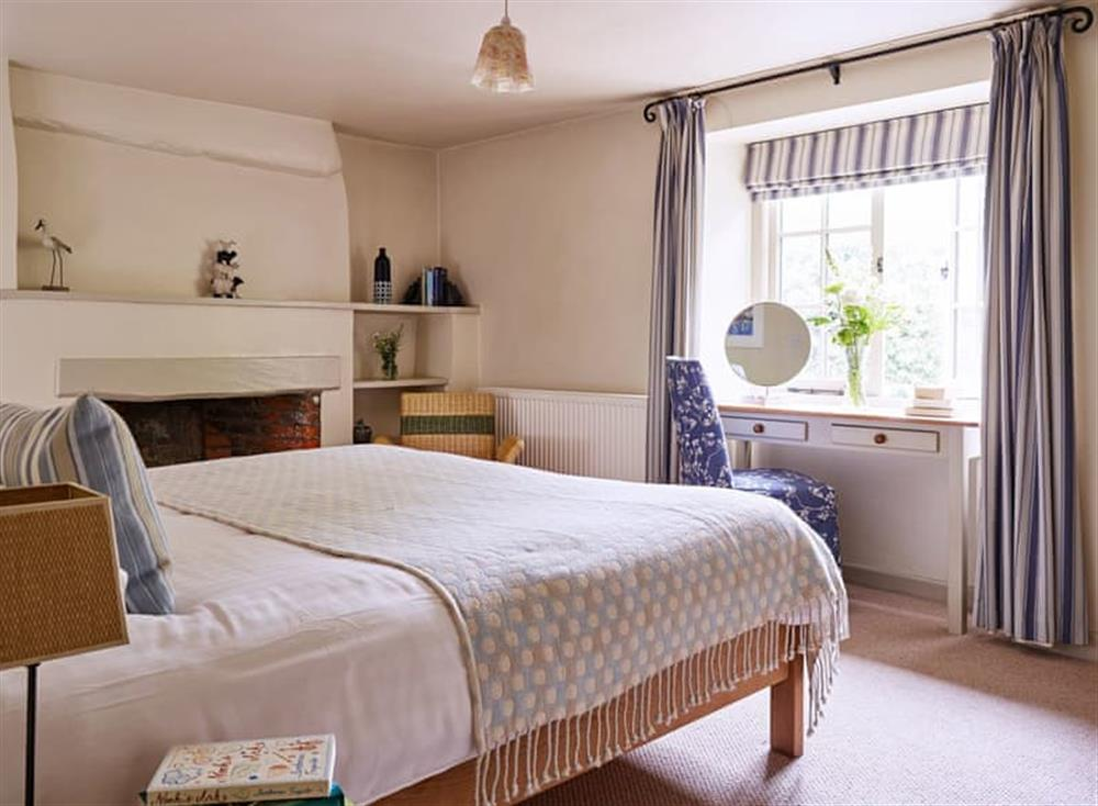 Relaxing double bedroom at Coach House,