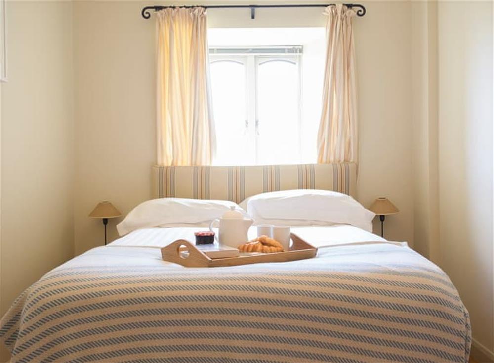 Double bedroom with en-suite at Garden House,