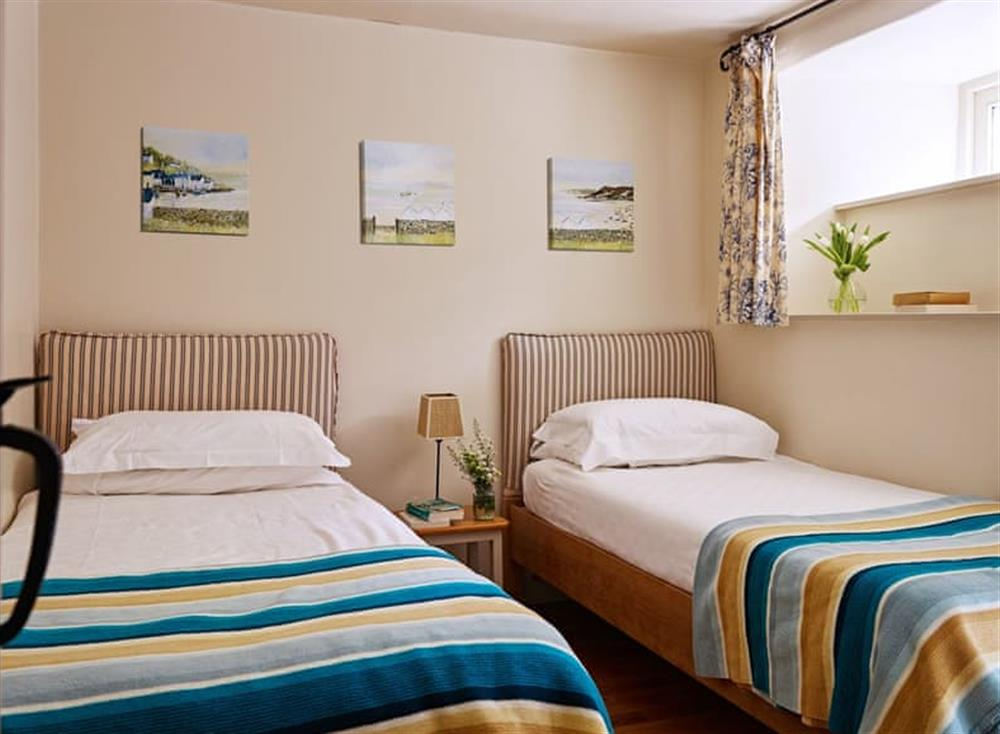 Comfortable twin bedroom at Haytor Cottage,