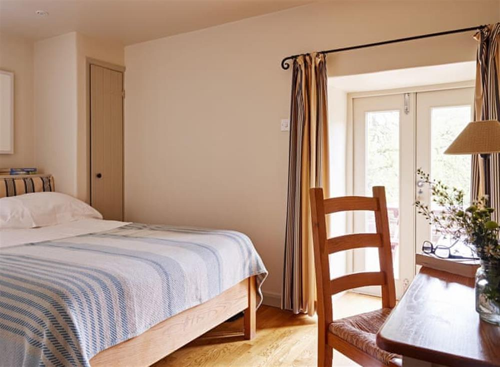 Relaxing double bedroom at Meavy Cottage,