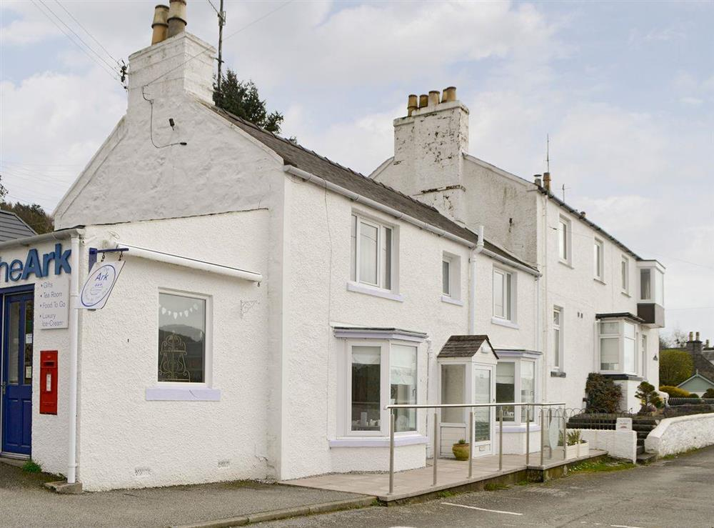 Fabulous first floor holiday apartment at Glendower Apartment in Kippford, near Dalbeattie, Dumfries and Galloway, Kirkcudbrightshire
