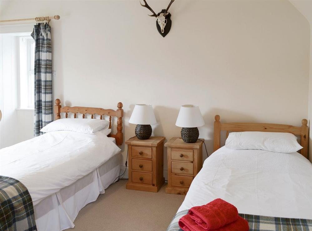 Good-sized twin bedroom at Keepers House,
