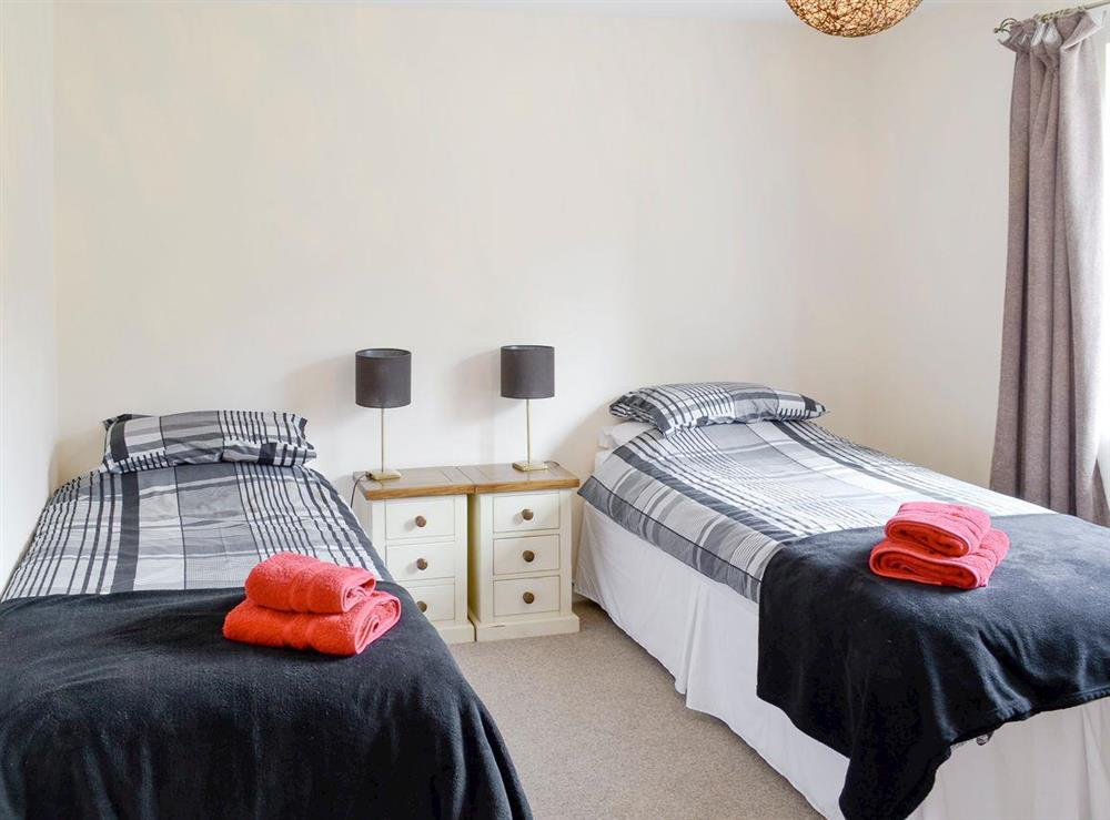 Light and airy twin bedroom at Keepers House,