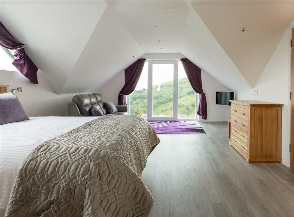 Peaceful double bedroom at Grandview Dartmouth in Dartmouth, Devon