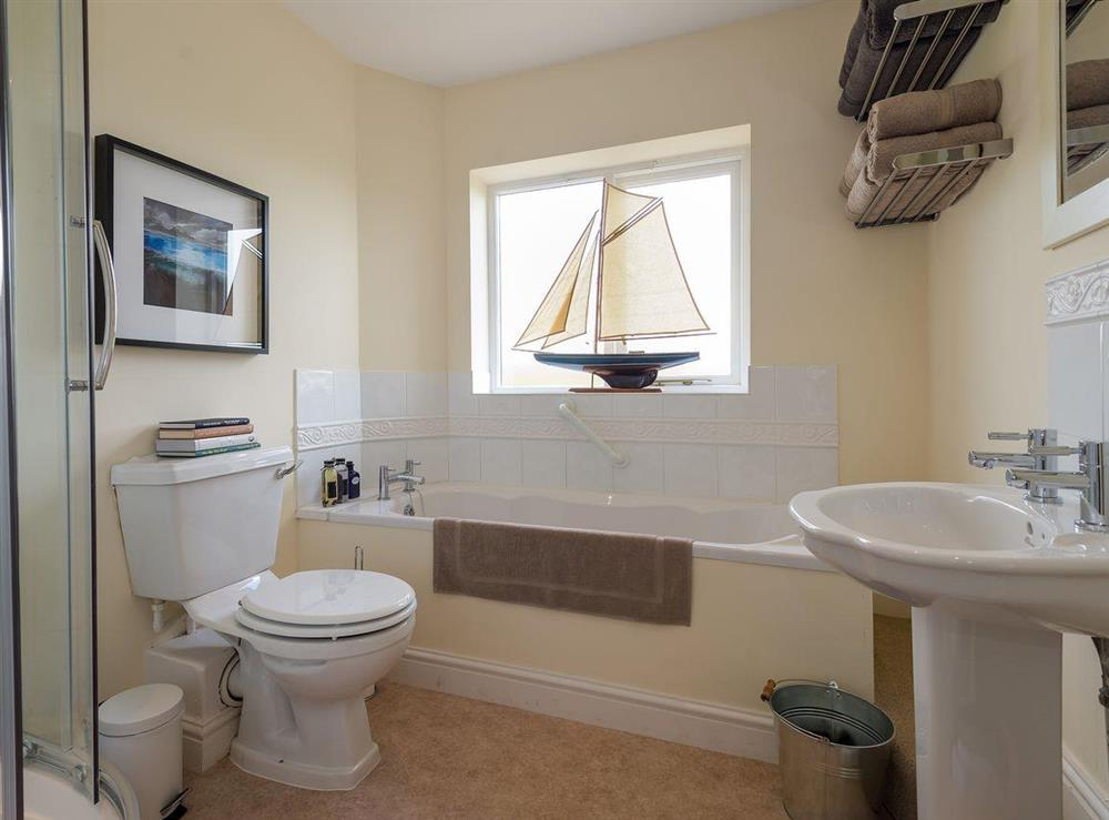 Family bathroom with separate shower at Grange Croft in Wymondham, near Oakham, Leicestershire, Norfolk