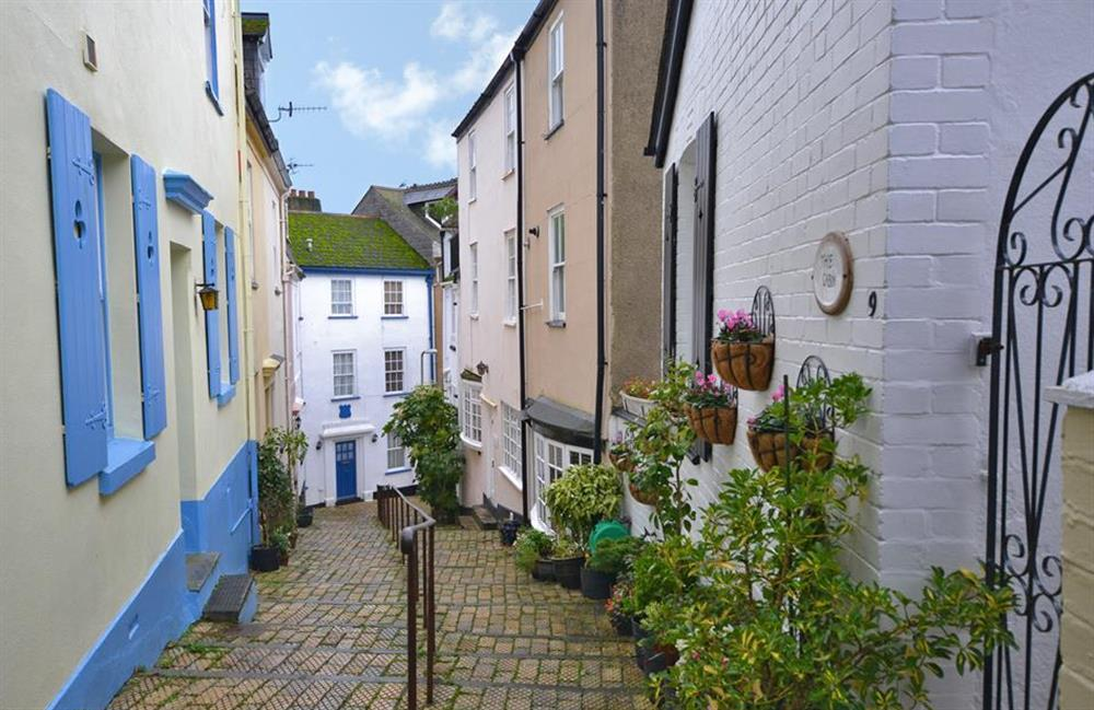Grants Cottage is at the bottom of the picturesque Browns Hill at Grants Cottage, Dartmouth