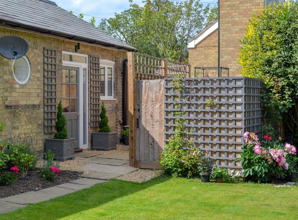 Charming accommodation at Grapevine Studio in Waterbeach, near Cambridge, Cambridgeshire