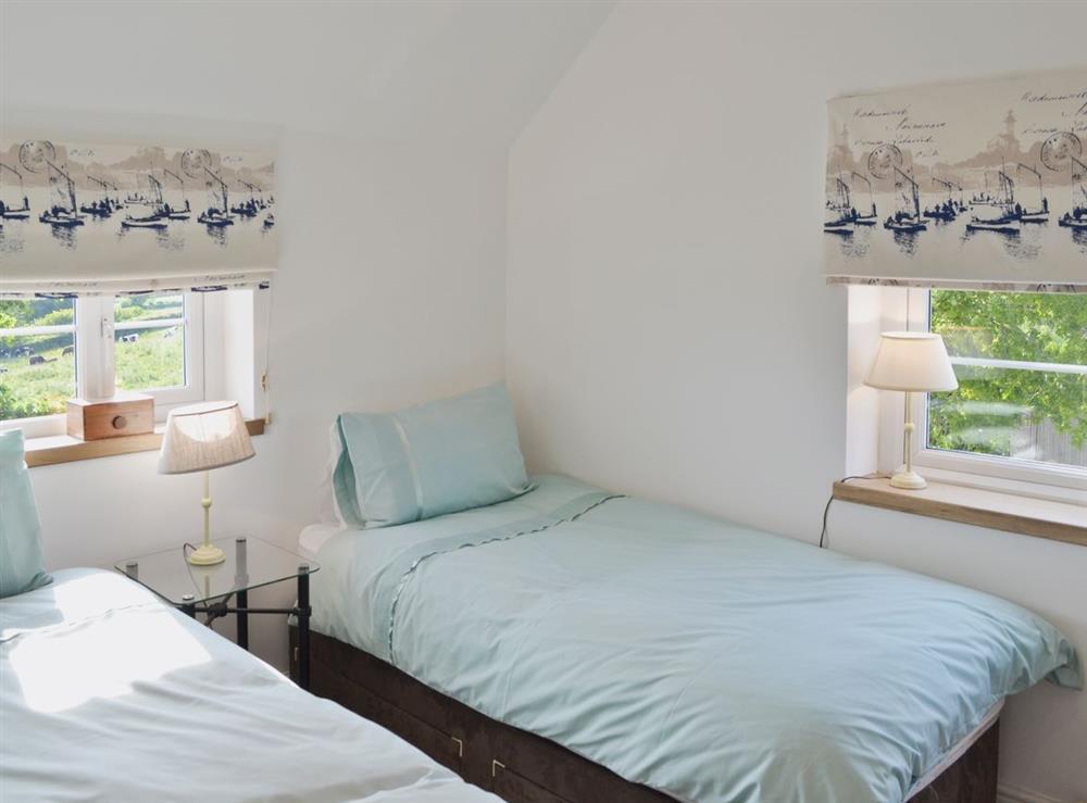 Twin bedroom at Green Oak Cottage in Sandley, near Gillingham, Dorset