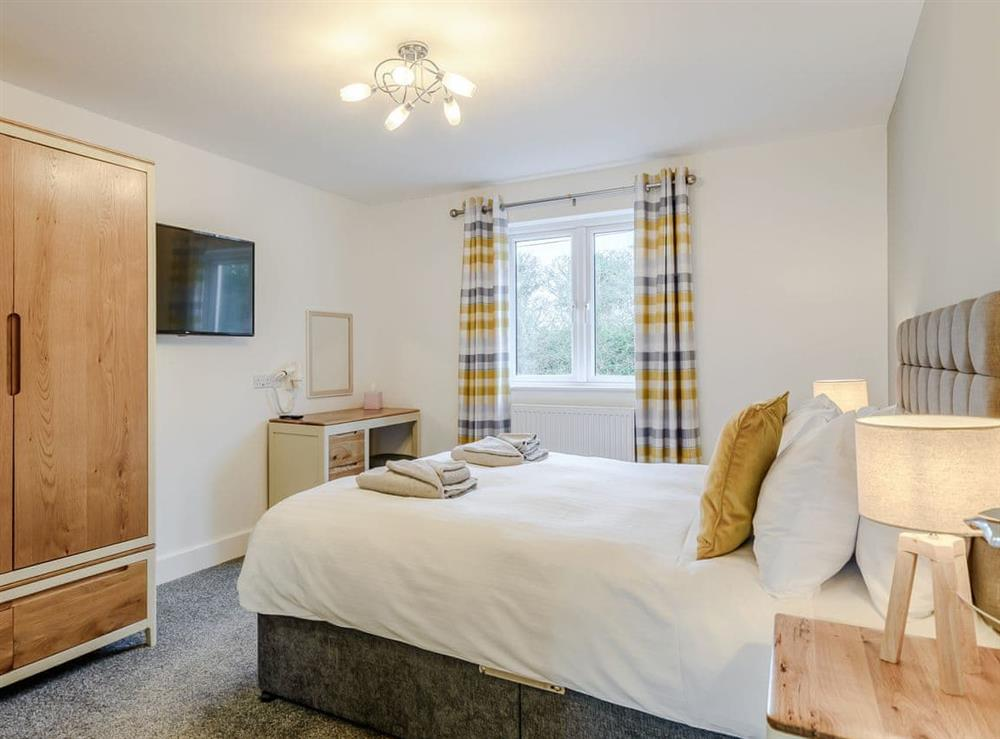 Well presented double bedroom at Meusydd,