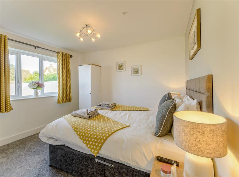 Comfy double bedroom at Ty Canol,