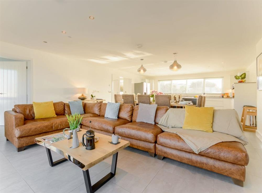 Spacious and comfortable living area at Ty Canol,