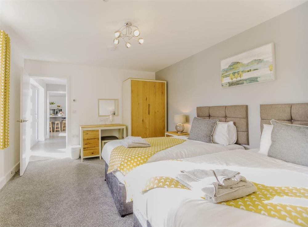 Well presented twin bedroom (photo 2) at Ty Canol,