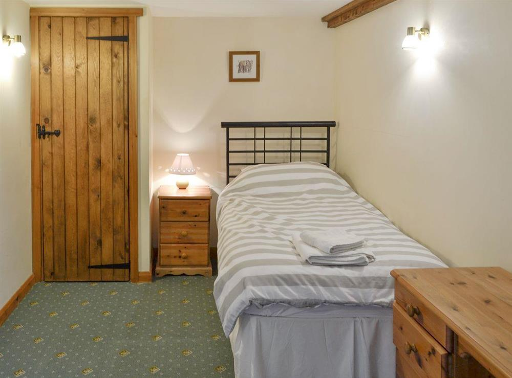 Good-sized twin bedroom at Bluebell,
