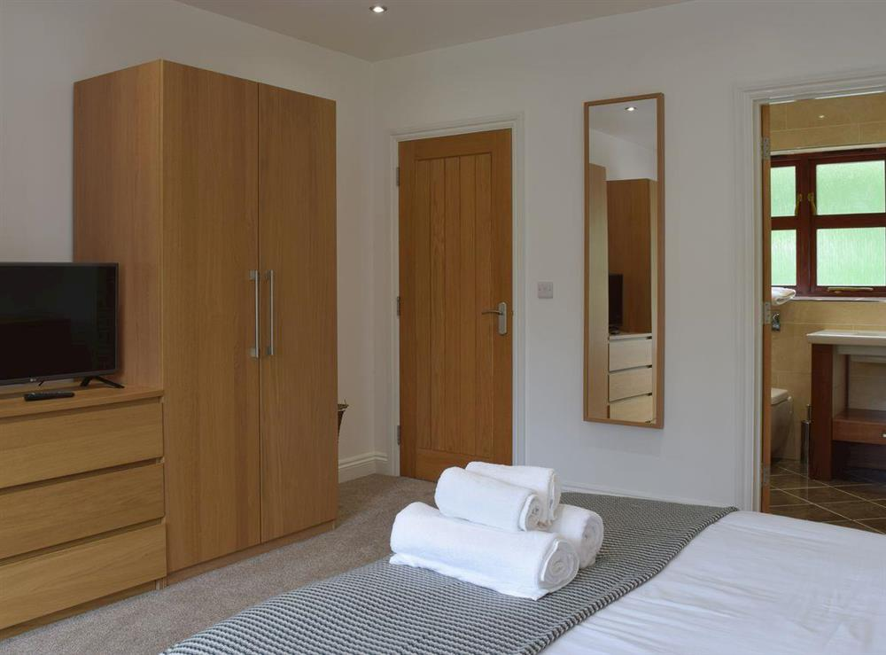 Master bedroom (photo 2) at Hafan Dawel in Stepaside, near Saundersfoot, Pembrokeshire, Dyfed