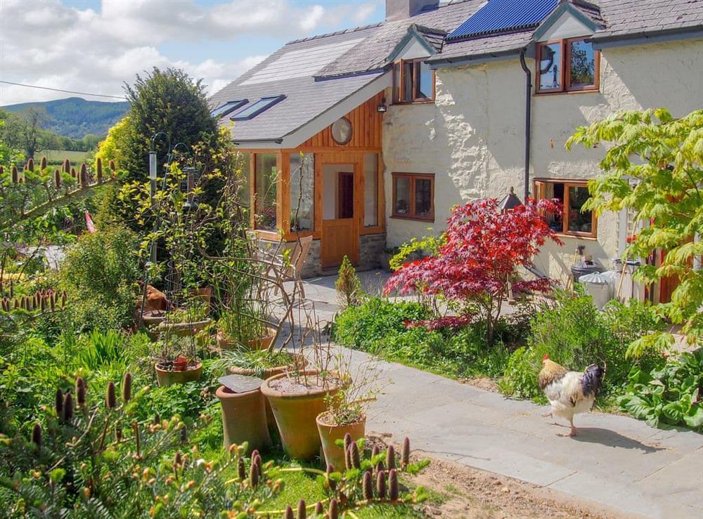 Delightful holiday home at Hafotty Bach in Pen-y-garnedd, near Llanfyllin, Powys