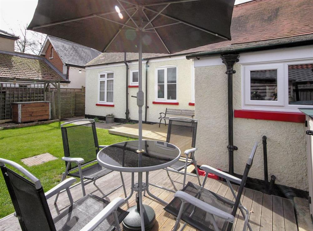 Sitting-out-area at Half Moon Cottage in Great Yarmouth, Norfolk