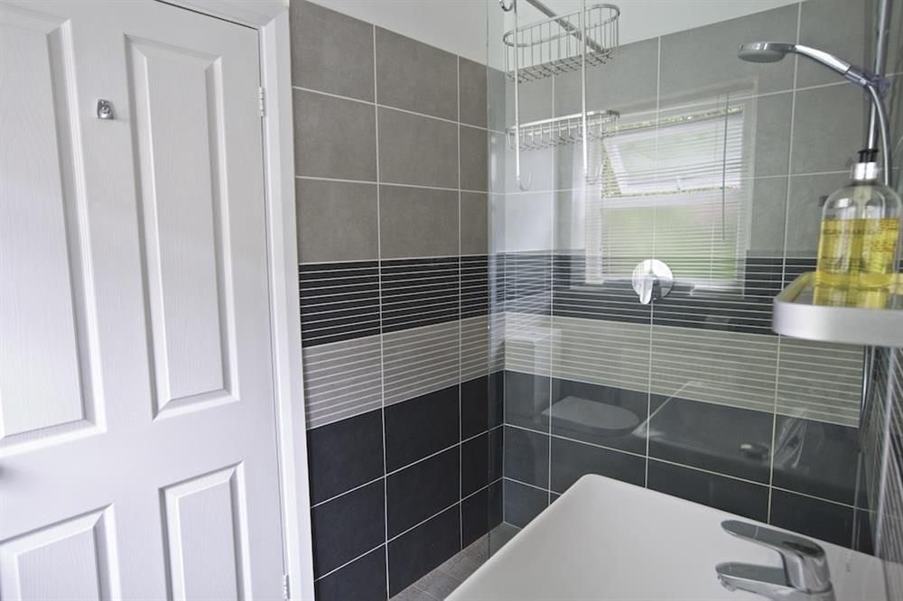 En suite bathroom with shower cubical at Harbourside in South Town, Dartmouth
