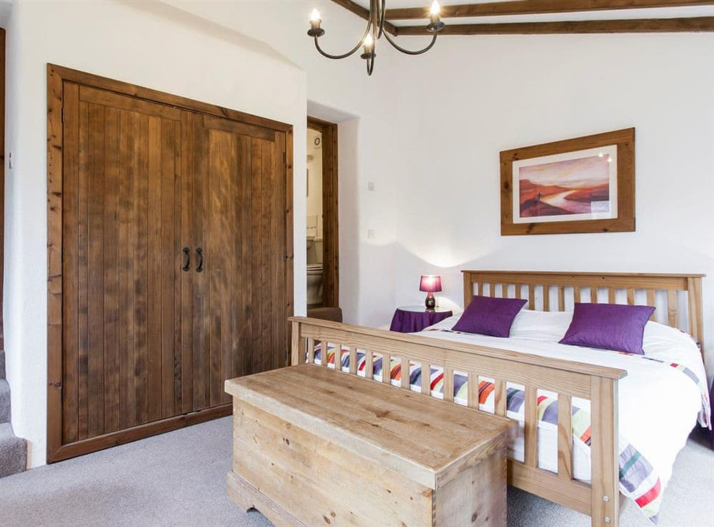 Charming double bedroom (photo 2) at Harriss Park in Halwell, Totnes, Devon