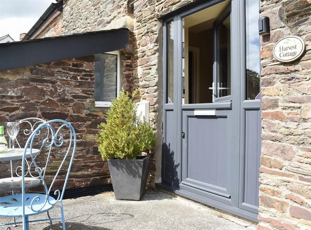 Delightful holiday property at Harvest Cottage in Harbertonford, near Totnes, Devon