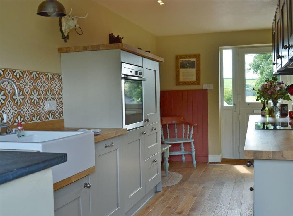 Spacious kitchen at Harvest Cottage in Harbertonford, near Totnes, Devon