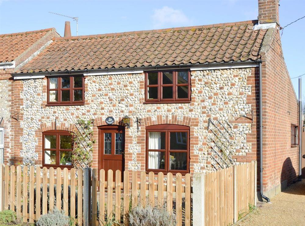 Stunning semi-detached cottage at Heathcote Cottage in Hickling, near Wroxham, Norfolk