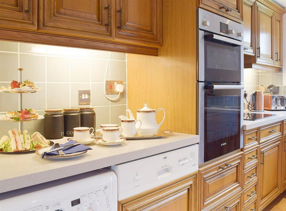 Well fitted and well appointed kitchen diner - ideal for afternoon tea at Heathcote Cottage in Hickling, near Wroxham, Norfolk