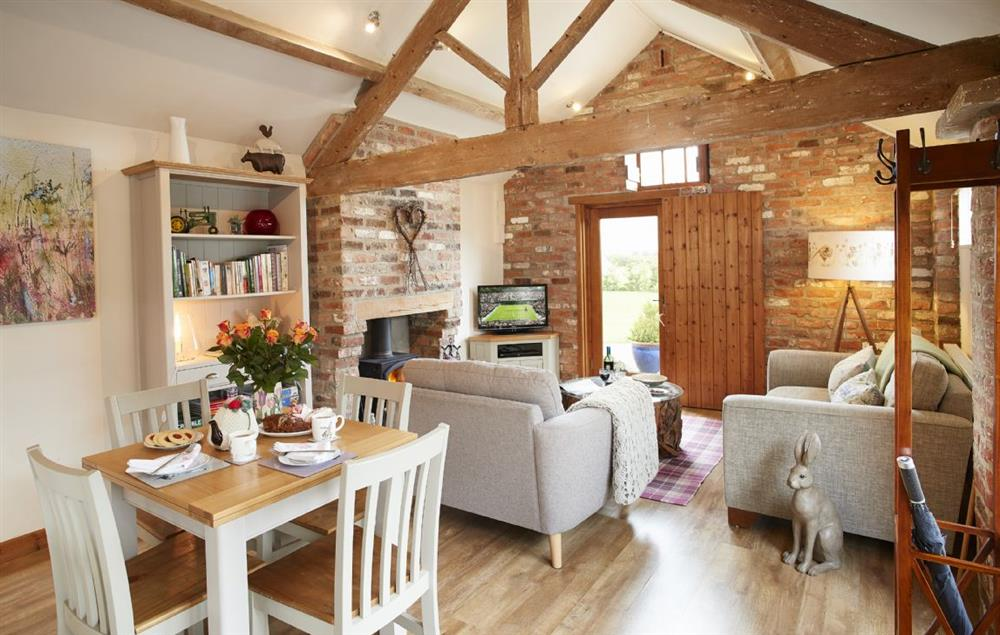Ground floor: Original wooden beams and vaulted ceiling as well as the original stone walls
