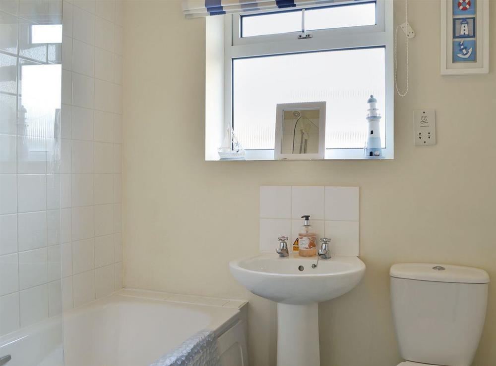 Well presented bathroom at Hywyn,