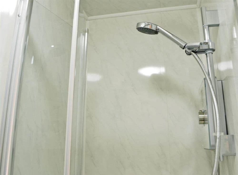 En-suite shower room (photo 2) at Hidden Gem Cottage in Driffield, North Humberside