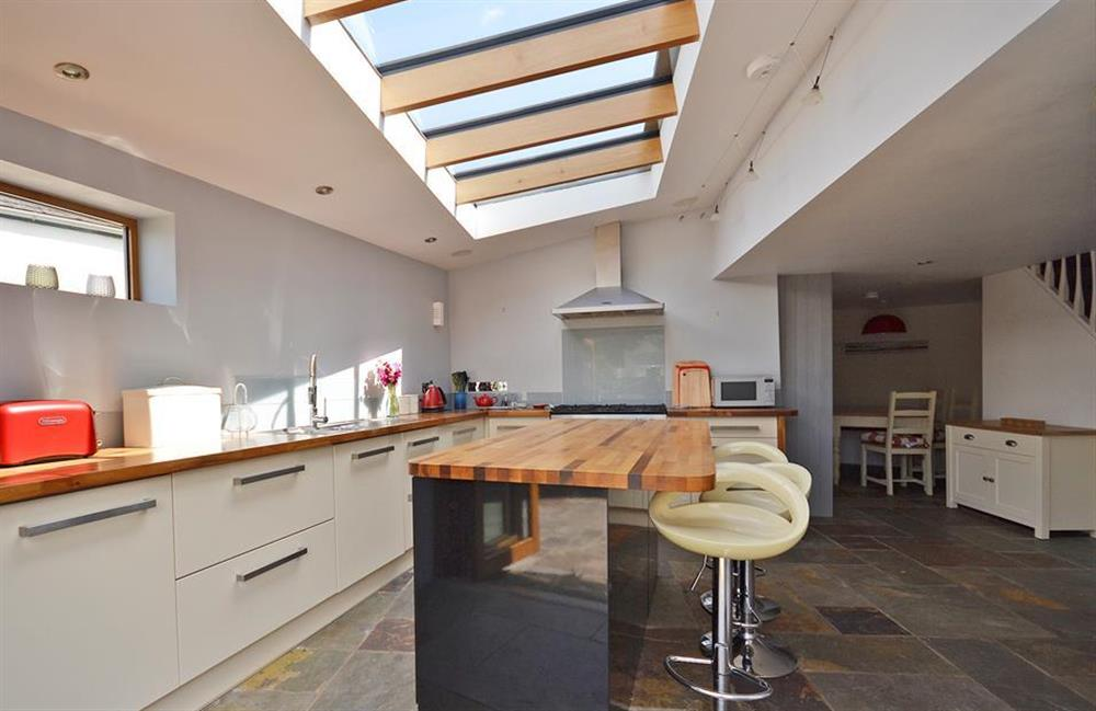 The modern kitchen is so lovely and light at Hideaway, Harbertonford