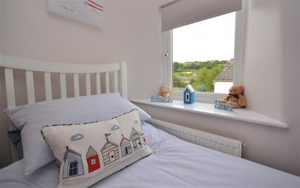The twin bedroom at Hideaway, Harbertonford
