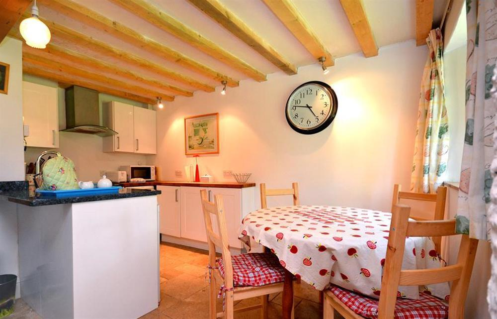 The kitchen and dining area at Higher Cotterbury Cottage, Blackawton
