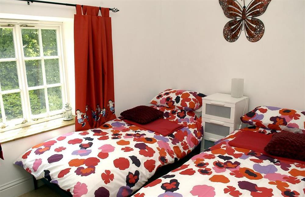 The twin bedroom at Higher Cotterbury Cottage, Blackawton