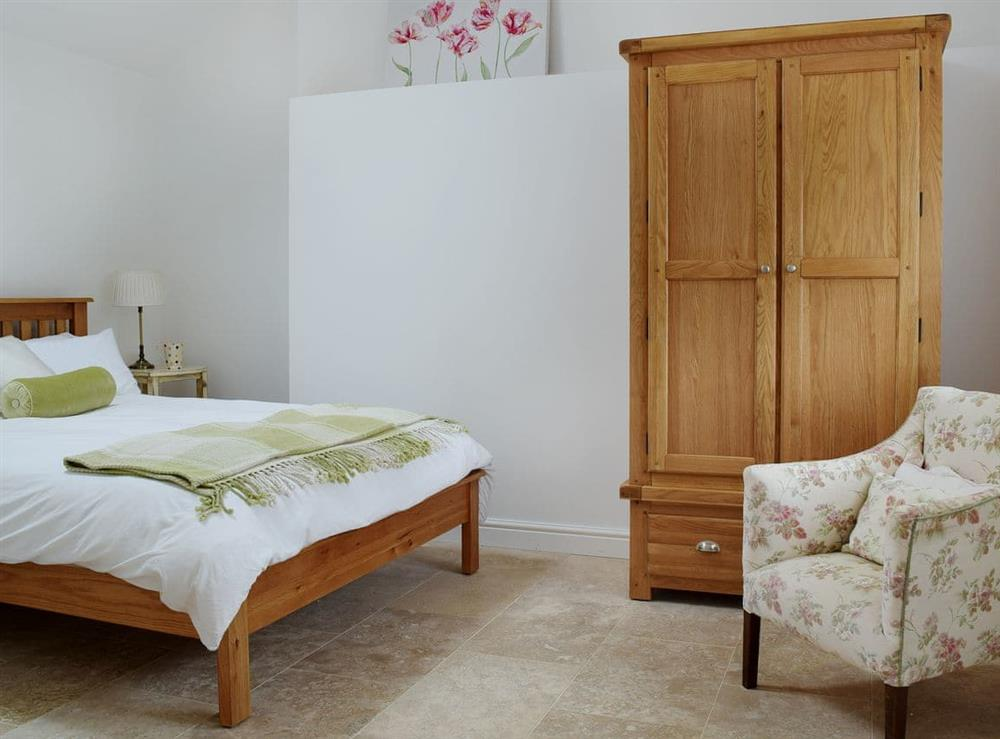 Light and airy double bedroom at The Apple Barn,