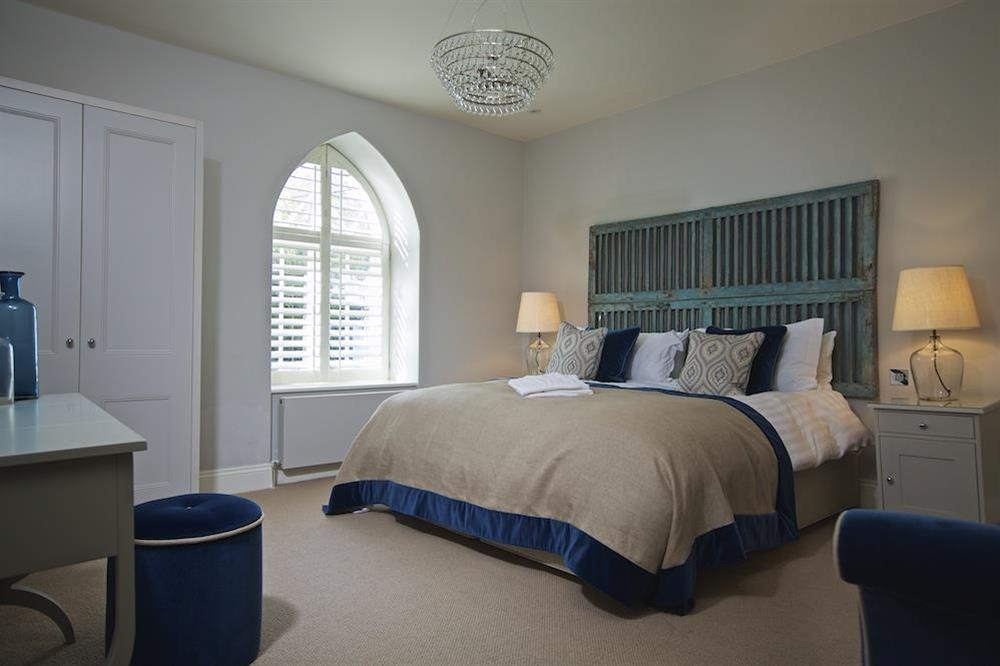 Second en suite bedroom with super-King size bed (photo 2) at Hillfield Farmhouse in , Hillfield, Dartmouth